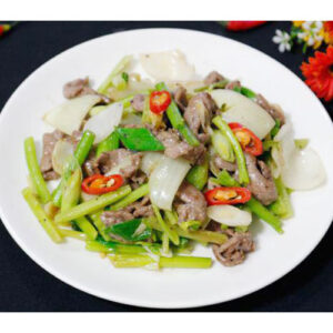 Beef sauteed with celeries & garlic